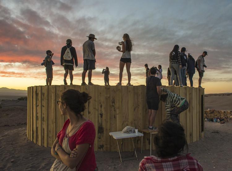 MUYU, Cámara Circular: 70 marcos de madera construyen una experiencia única en el Desierto de Atacama, © Nicolás Sáez