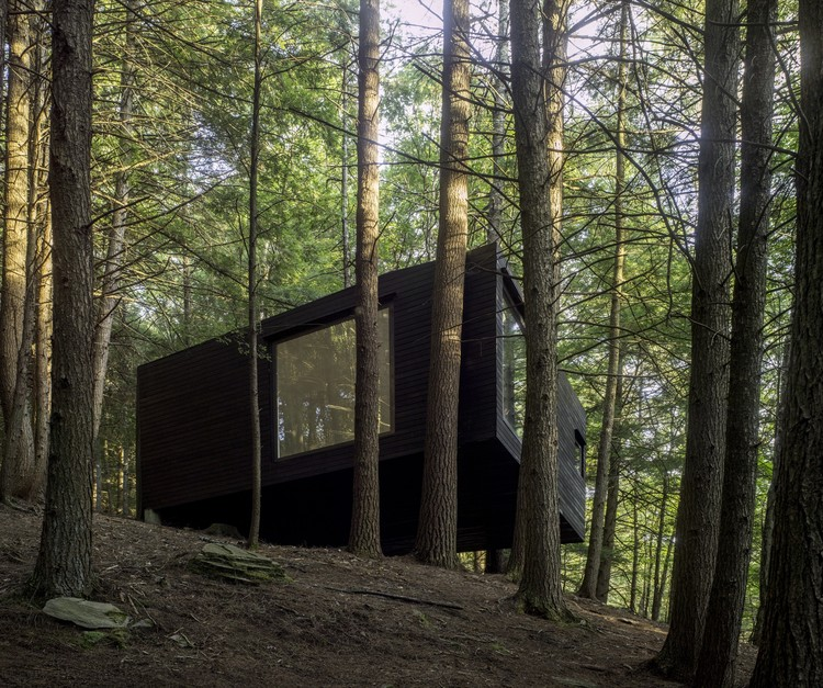 Two Hillside Cabins In The Trees By Feldman Architecture: Half-Tree House / Jacobschang Architecture