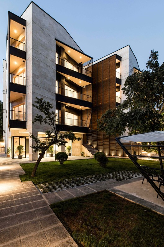 111 Residential Apartment / Negin Shahr Ayandeh, © Farshid Nasrabadi