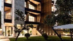 111 Residential Apartment / Negin Shahr Ayandeh