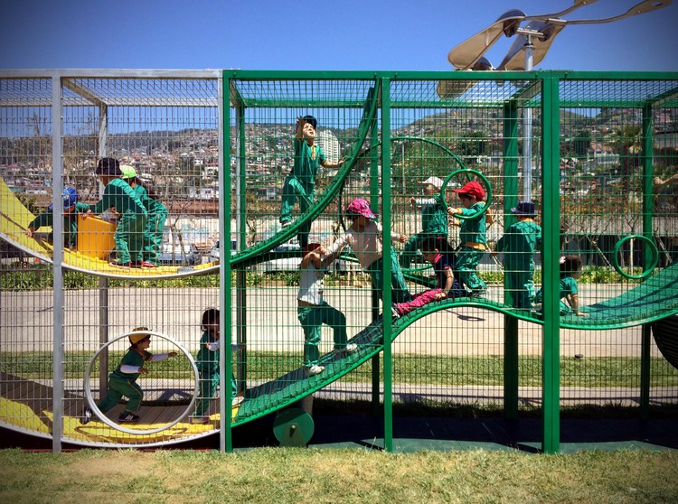 Intervienen proyecto de ELEMENTAL en la XX Bienal de Arquitectura de Chile para que se quede en Valparaíso, vía ELEMENTAL