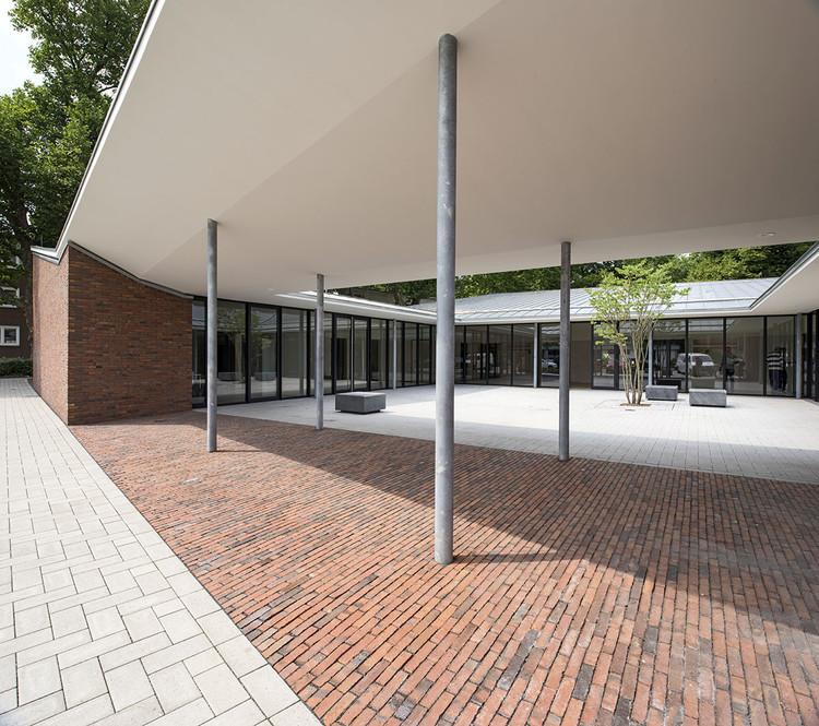 Centro comunitario altenessen heinrich b ll architekt - Architekt essen ...
