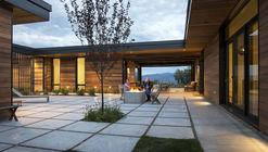Casa Red Hawk / Imbue Design