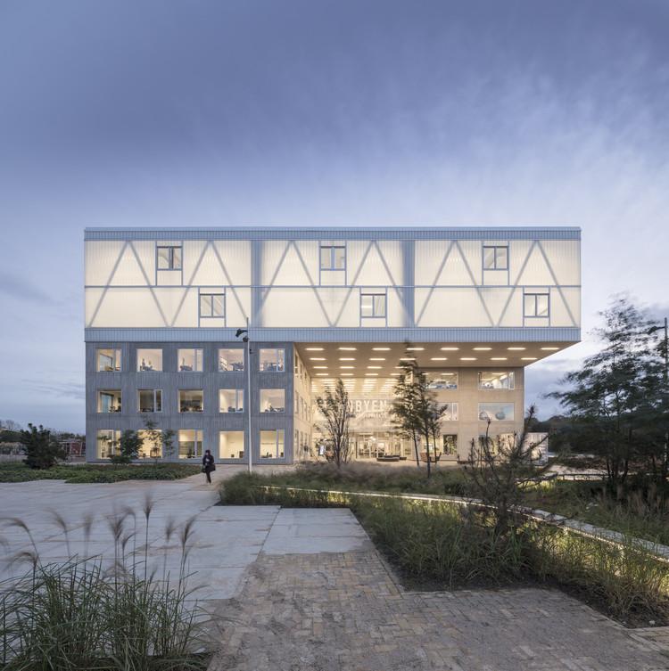 Edifício Cortex Park / CREO ARKITEKTER A/S + ADEPT, Cortesia de Adam Mørk