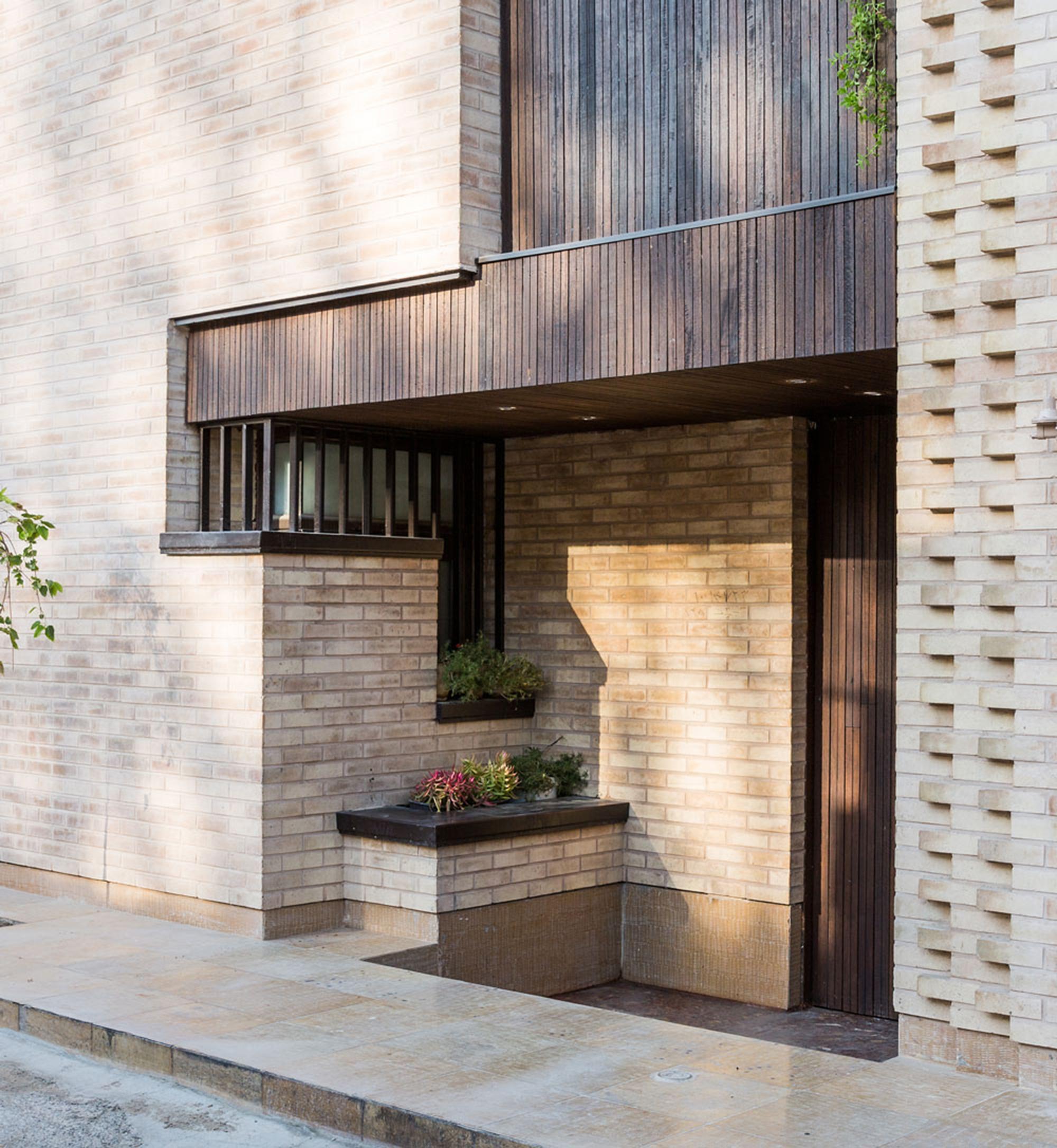 gallery of farvardin house piramun architectural office 23. Black Bedroom Furniture Sets. Home Design Ideas