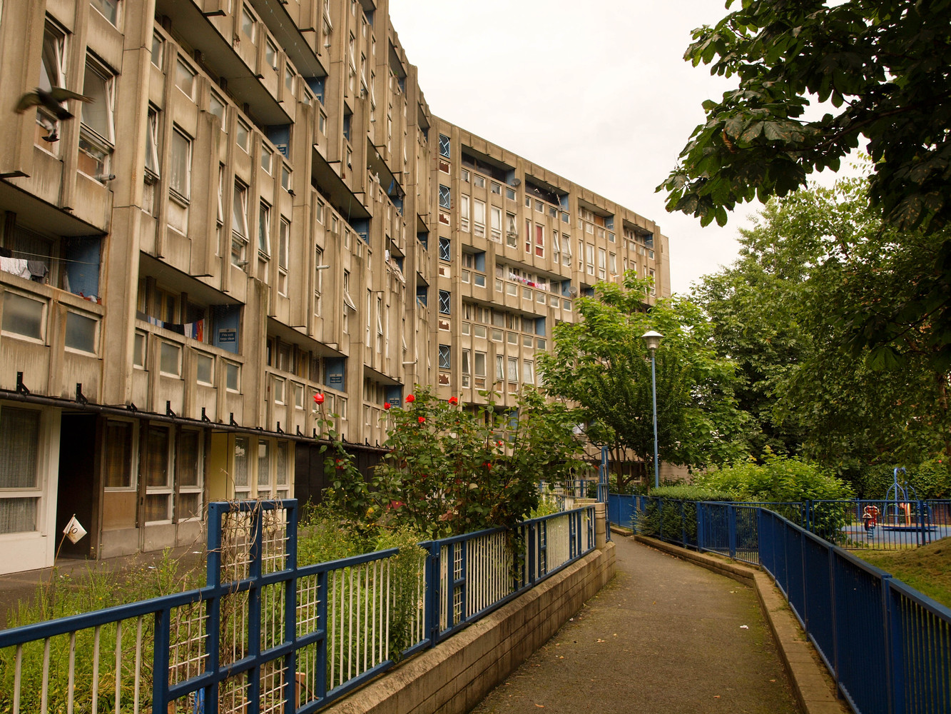 Gallery of V&A Museum to Save Large Section of Robin Hood Gardens ...