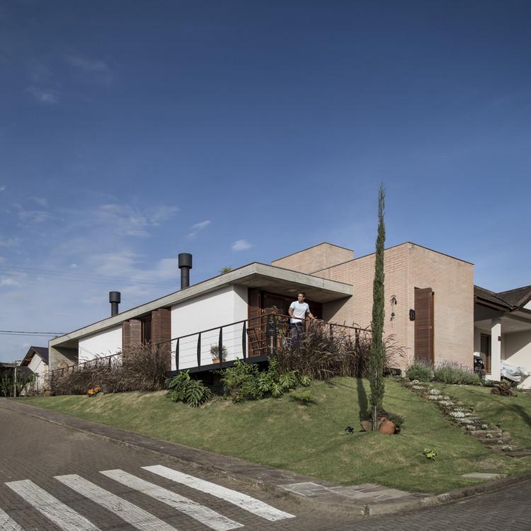 Casa VCR / Oficina Conceito Arquitetura, © Marcelo Donadussi