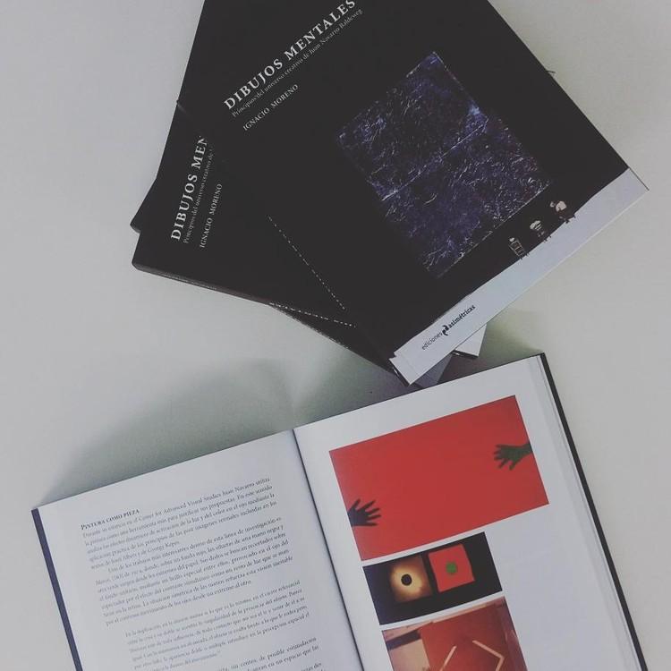 Dibujos mentales el universo creativo de juan navarro for Ediciones asimetricas