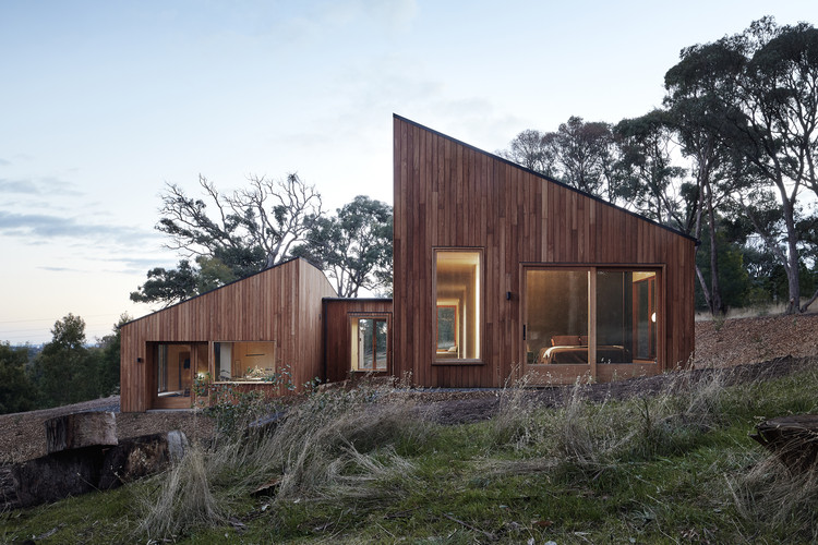 Two Halves / Moloney Architects, © Christine Francis