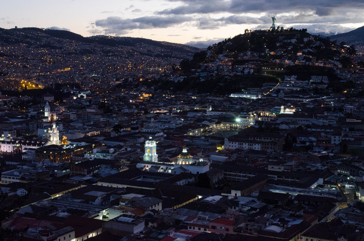 BAQ2018: Bienal Panamericana de Arquitectura de Quito 2018 se centrará en la obra arquitectónica, Imagen © <a href='https://www.flickr.com/photos/ashokbo/16687520556'>ashokboghani [Flickr]</a>, bajo licencia <a href='https://creativecommons.org/licenses/by-nc/2.0/'>CC BY-NC 2.0</a>. ImageQuito, Ecuador