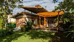 Casa na Mata / Ateliê Navio