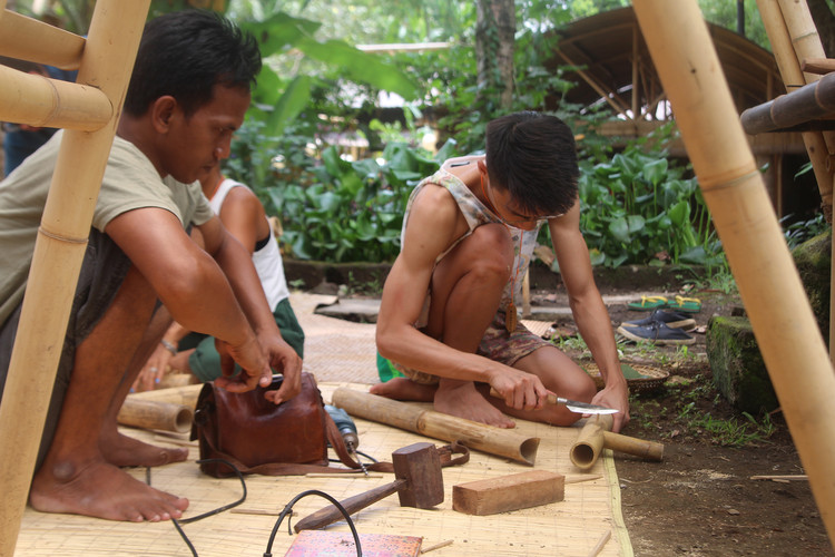 Learning Basic Bamboo Joinery With Indonesian Carpenters, © José Tomás Franco