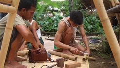 Aprendiendo carpintería básica en Bambú junto a artesanos indonesios