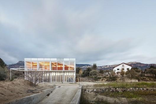 Casa OE / Aixopluc.. Image Cortesía de VII Premio de Arquitectura Ascensores Enor