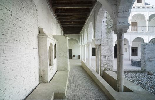 Convento de Santa María de los Reyes / MGM-Morales de Giles Arquitectos.. Image Cortesía de VII Premio de Arquitectura Ascensores Enor