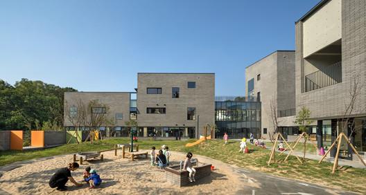 Naver Imae Nursery School / D.LIM architects