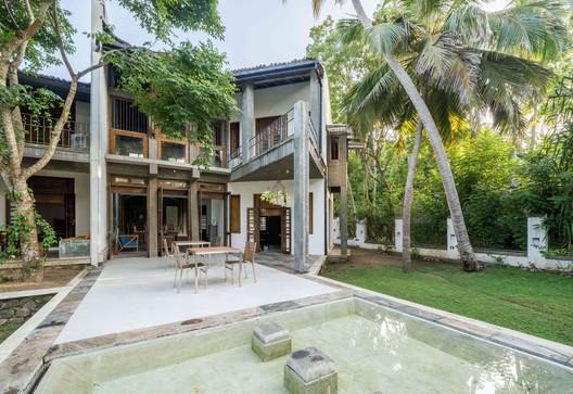 Casa de playa Issana / Chinthaka Wickramage Associates