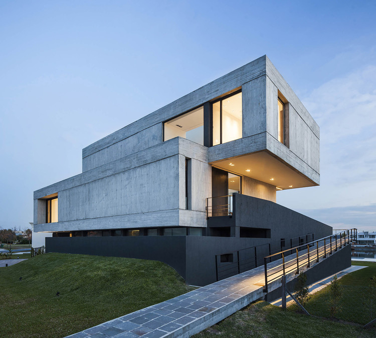 Casa Duas Caixas / Remy Arquitectos, © Alejandro Peral