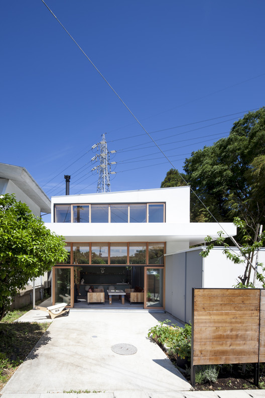 Off Grid House in Yokohama / abanba, © GEN INOUE