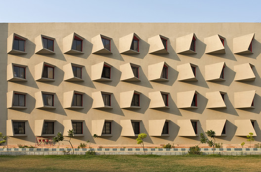 The Street / Sanjay Puri Architects