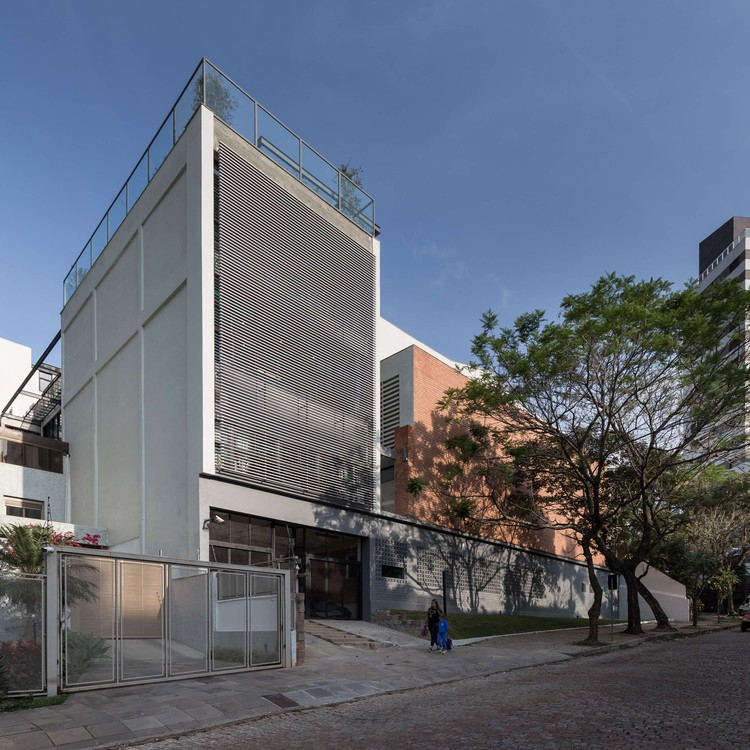 COLABS Panamerican School of Porto Alegre  / Santini e Rocha Arquitetos, © Marcelo Donadussi