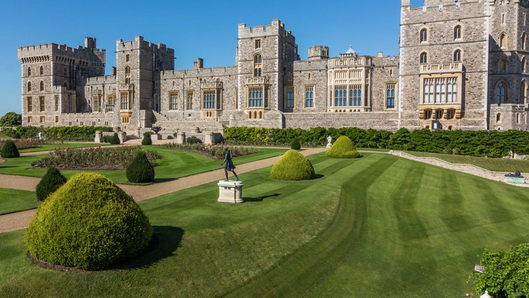 Architectural Adventures: Discover English Architecture, Windsor Castle  \ courtesy of Adobe Stock