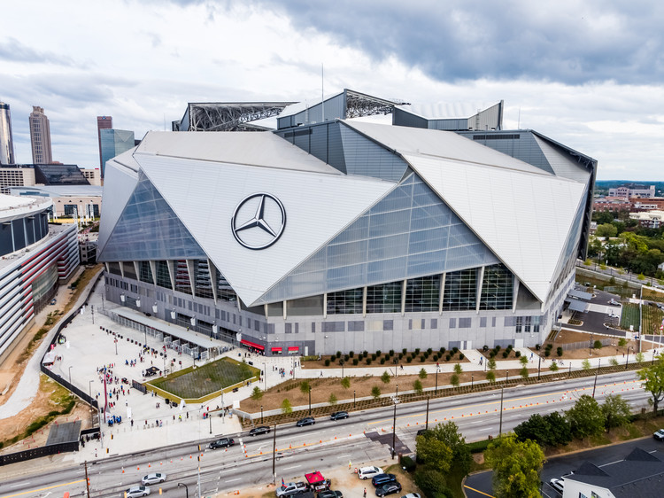 Hok S Mercedes Benz Stadium Will Be The First Leed