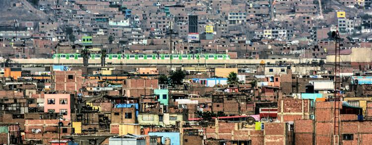 ¿Un terremoto salvará Lima?, Lima. Barriadas y crecimiento informal. Vía Flick, Usuario Mariano Mantel / CC BY-NC 2.0. Image Cortesía de Aldo Facho Dede
