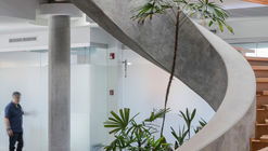 Sede da Companhia Construtora Van der Laat & Jiménez / Fournier_Rojas Arquitectos
