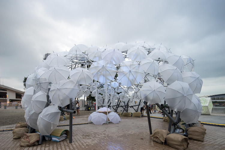 PVC Pipes and Umbrellas Come Together in Vibrant Dandelion-esque Dome in Singapore, © Oddinary Studios