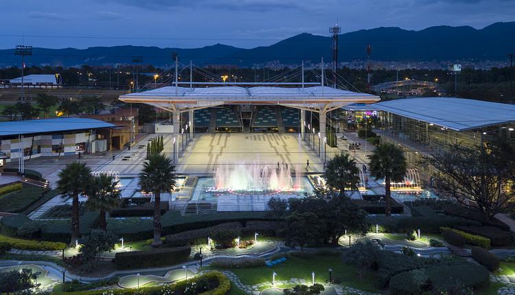 Konrad Brunner Arquitectos presenta nueva estructura que cubre la Plaza del Jubileo en Bogotá, © Enrique Guzmán