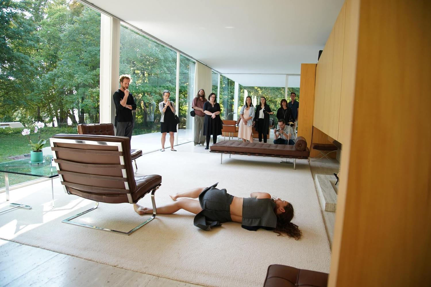 Choreographed performance at farnsworth house explores queer space in the work of mies van der rohe
