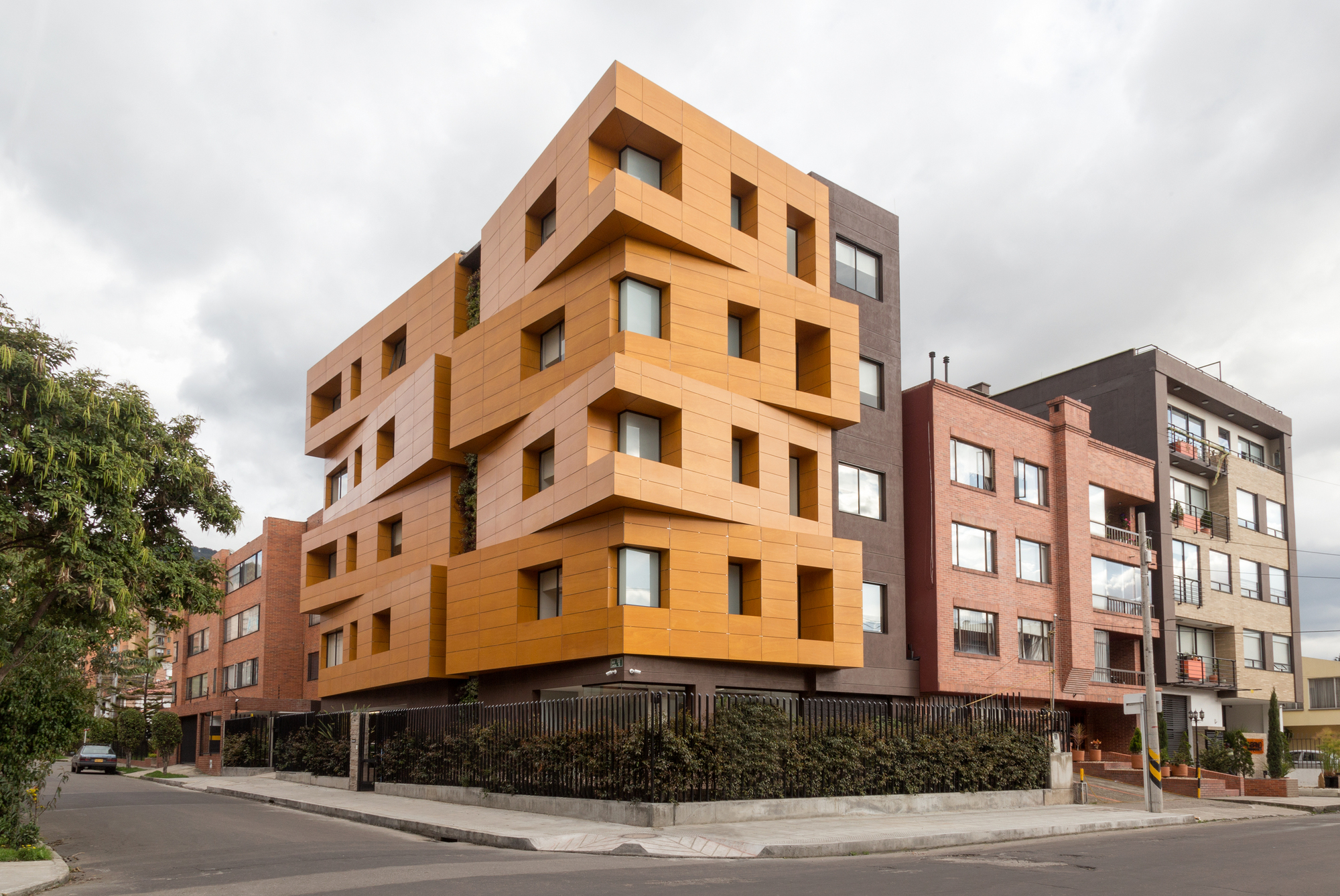 HG - Gerontological Home / R+B Diseño Experimental