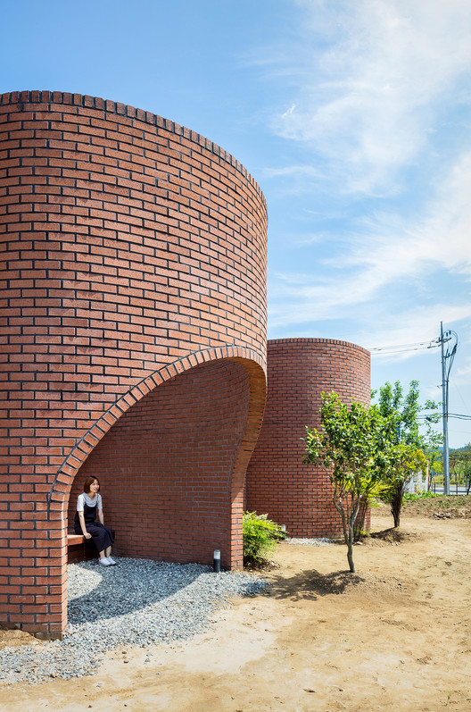 Miraculous The Vault House Obba Archdaily Download Free Architecture Designs Intelgarnamadebymaigaardcom