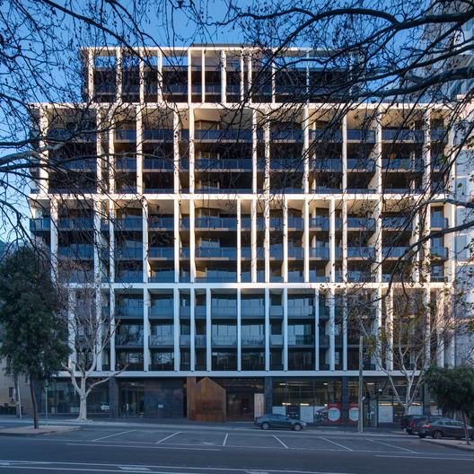 The Eminence / Plus Architecture