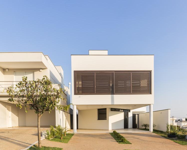 Casa DBP / Vertentes Arquitetura, © Leo Giantomasi