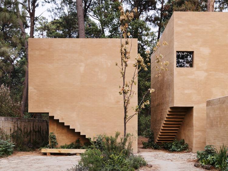 Entrepinos Housing / Taller Hector Barroso, © Rory Gardiner