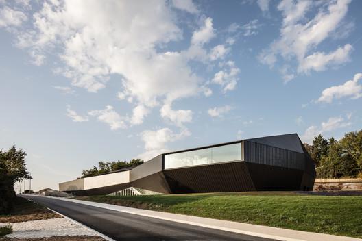 Congress Center of The Haute Saintonge / TETRARC