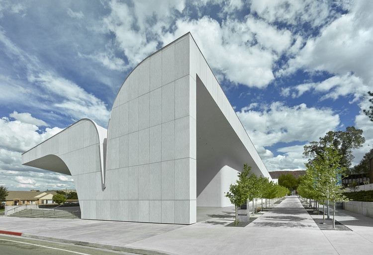 Centro de Sorenson para las artes / Brooks + Scarpa Architects, © Tim Hursley