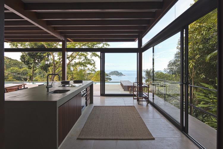 Casa Tijucopava / AMZ Arquitetos, © Maira Acayaba