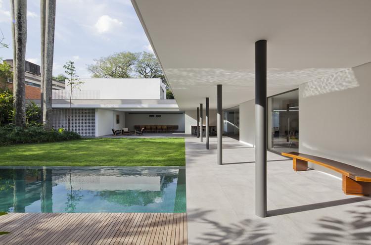 Casa Alto de Pinheiros / AMZ Arquitetos, © Maíra Acayaba