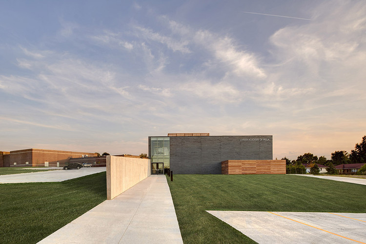 Career Academy of Pella / Neumann Monson Architects, © Integrated Studio