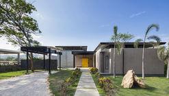 Casa Porta Amarela / NiHu Arquitectos