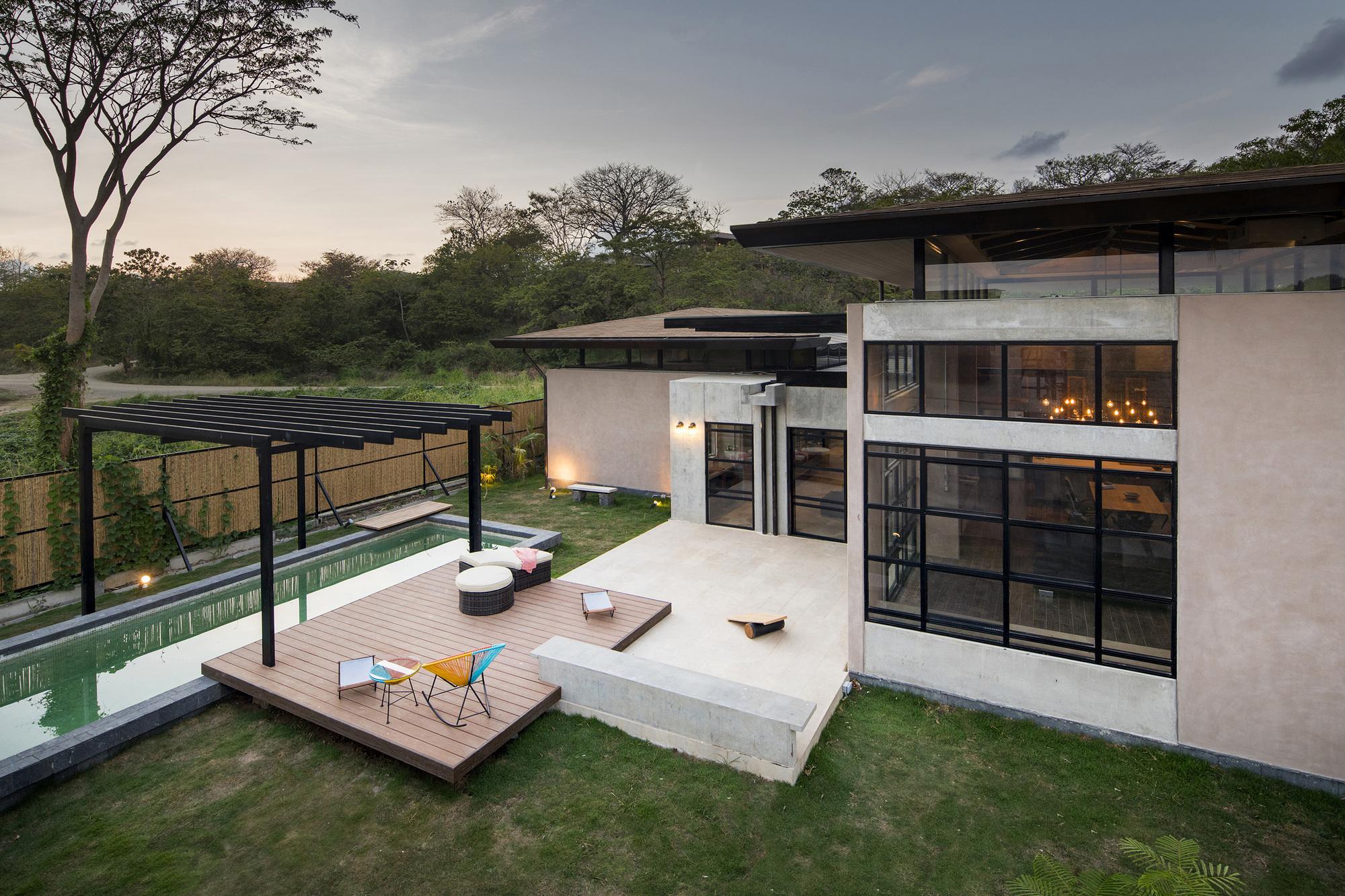 Galeria de casa porta amarela nihu arquitectos 19 for Arquitectos para casas