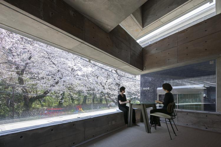 Oriel Window House  / Shinsuke Fujii Architects, © Tsukui Teruaki