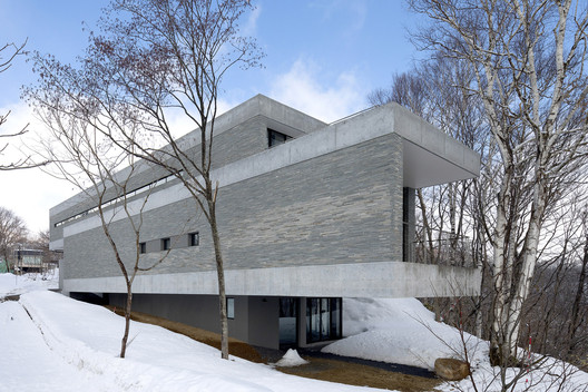 The Clearwater House / Seshimo Architects + Peter Hahn Associates