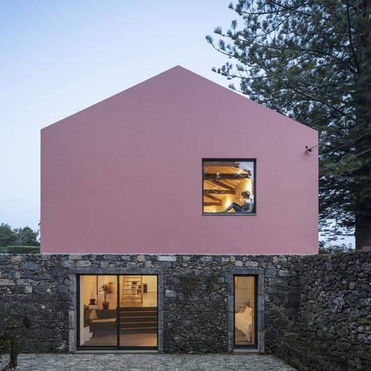 Pink House / Mezzo Atelier