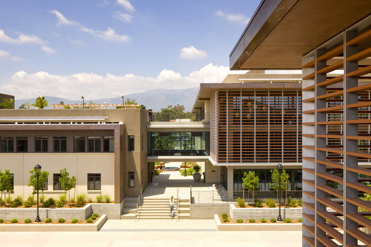 Pomona College Student Housing / Ehrlich Yanai Rhee Chaney Architects, © Tom Bonner