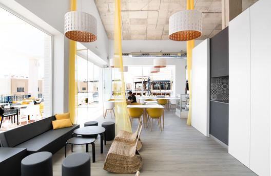 Zenia Lounge / Studiogaraje Arquitectura