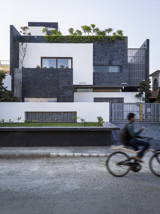 Residence 913  / Charged Voids, © Nakul Jain